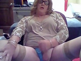 Mature Trans Strokes And Cums