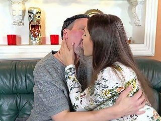 Young Beauty Ellen Betsy Gets Intimate With One Old Fart