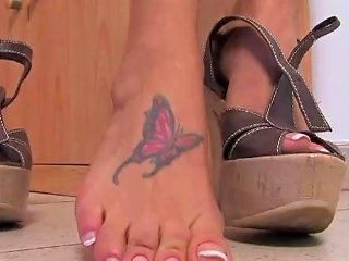 Linda Perfect Feet