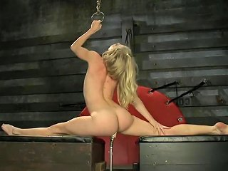 Former Gymnast Local Mom Fucked Tight And Loose By Machines Txxx Com